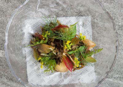 Mixed mountain mushrooms, charred banana chili and sweet bamboo. Grilled in banana leaf, dressed with bamboo grass juice and topped with fiddlehead fern  ຂະຫນາບເຫັດ .ເຫັດລວມມິດ,ຈີ່ຫມາກເພັດຫວານ,ຫນໍ່ໄມ້ຫວານ ຂະຫນາບໃສ່ໃບຕອງ ປະສົມນຳ້ຢານາງກັບຜັກກູດ